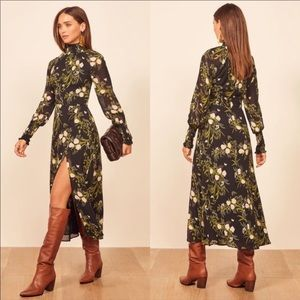 🆕 Reformation Valentine dress